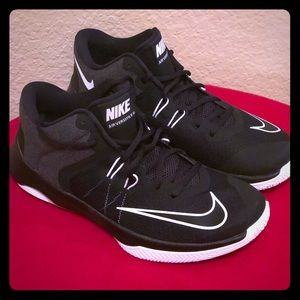 NEW Women's Nike Air Versatile 2